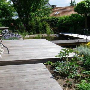 Teich mit Sitzplatz, Holzarbeiten